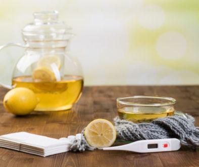 bei erkältungskrankheiten heißer zitronentee